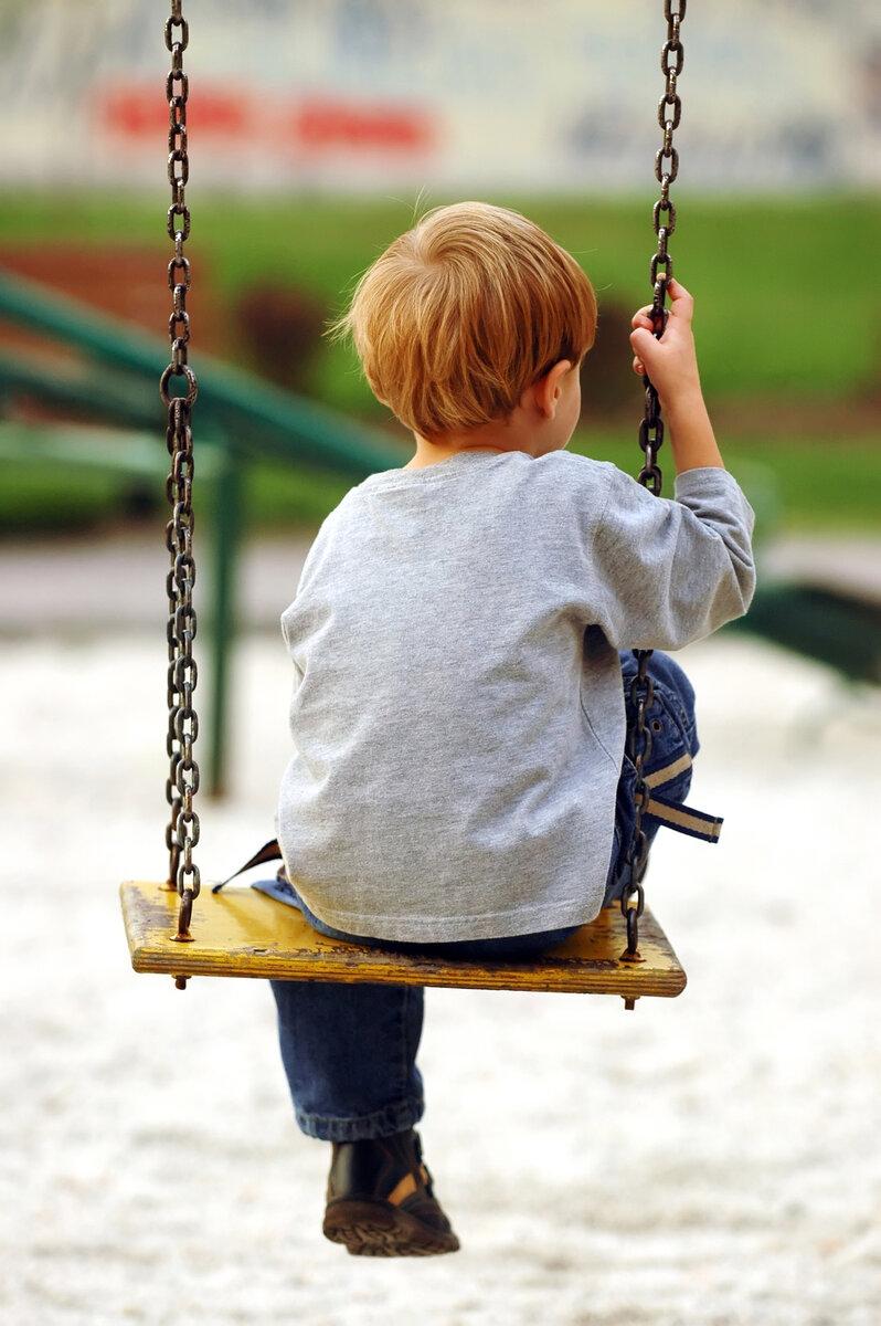 Ребенок не хочет общаться с детьми: причины, симптомы, типы характера, психологический комфорт, консультации и советы детского психолога