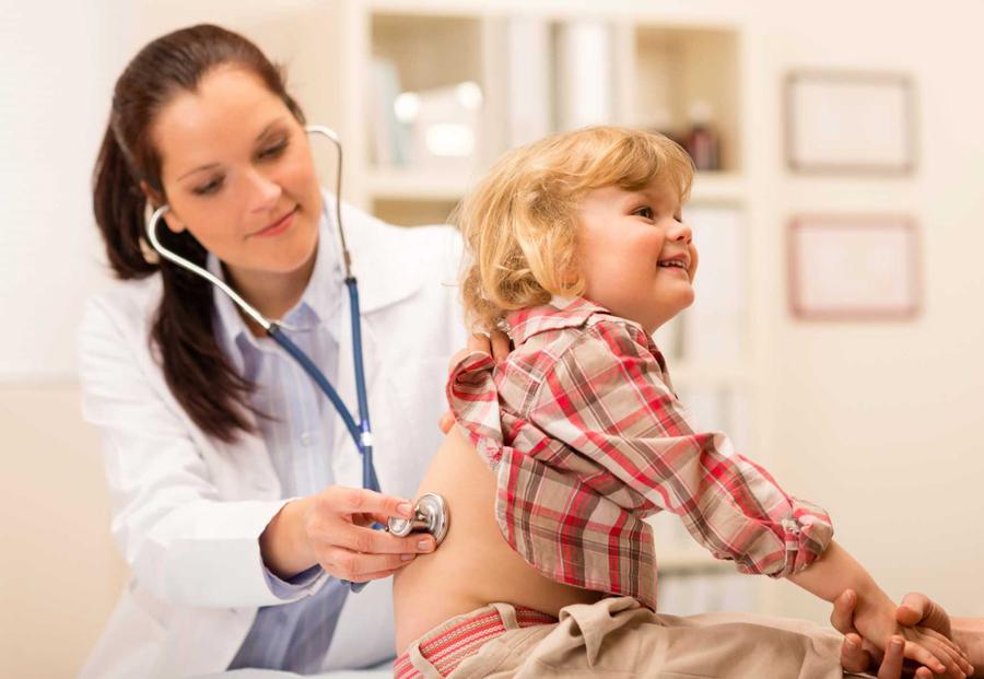 Ребенок боится врачей: советы психологов и опытных мам как помочь детям избавиться от страха