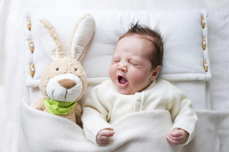 Как уложить ребенка спать: 13 самых странных способов