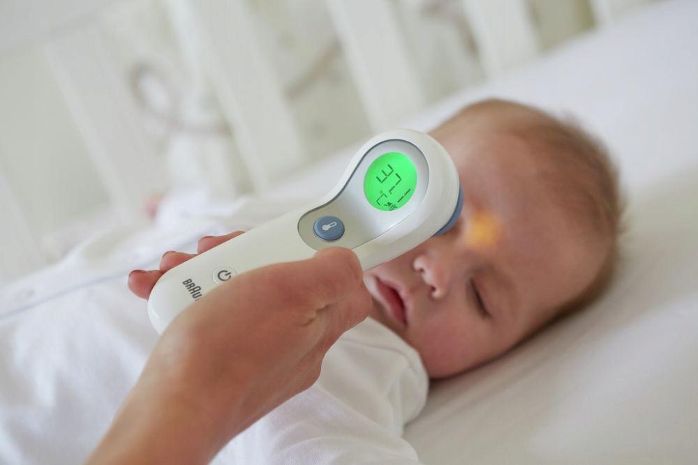 Как правильно померить температуру грудничку?