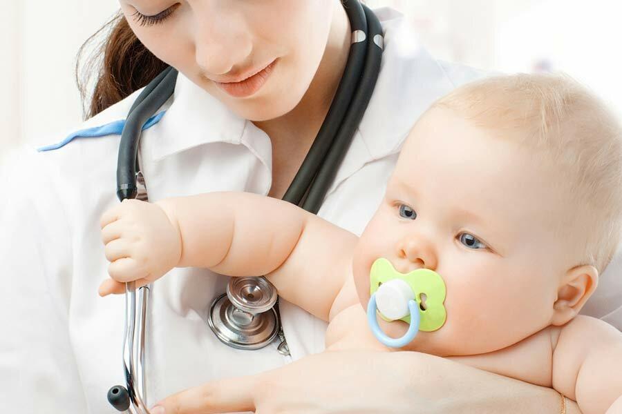 Нужно ли приучать малыша к пустышке и как правильно это сделать