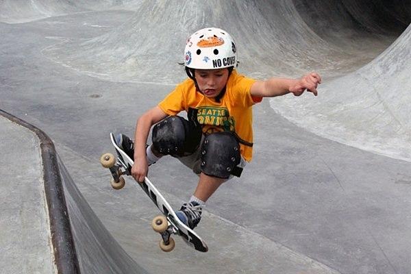 Как выбрать скейтборд для ребенка и как научиться на нем кататься?