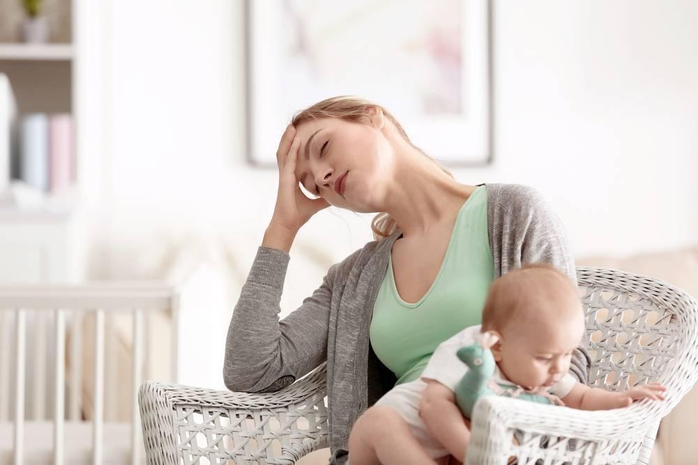 Послеродовая депрессия (симптомы, причины, чем опасна?)