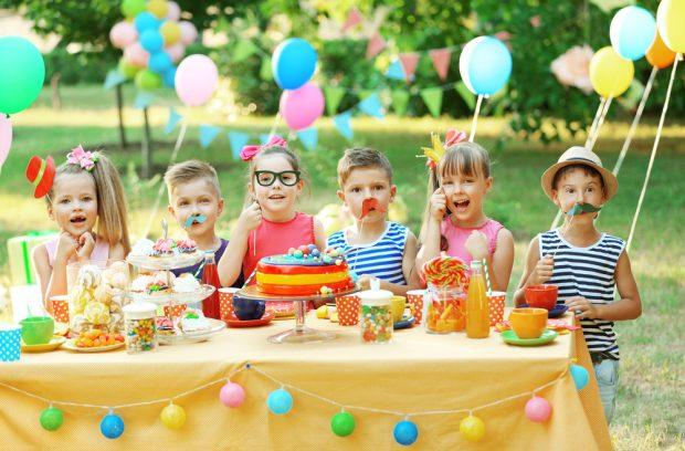Серпантин идей - игры-розыгрыши и юмористические конкурсы для детей // сборник развлечений с подвохом и юмором для домашних и детских праздников