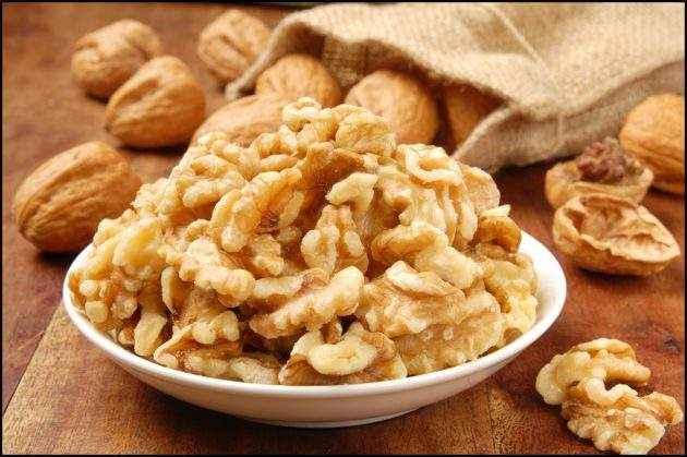 Грецкие орехи при грудном вскармливании: можно ли есть, сколько можно, чем полезен