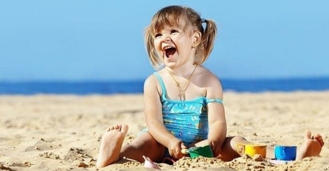 Список: что важного нужно взять на море с ребенком!