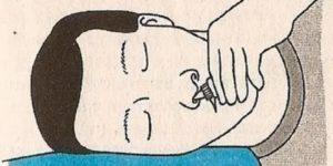 Как правильно закапать капли в нос грудничку
