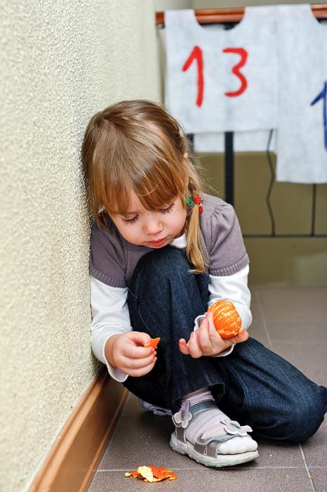 Ребенок-невидимка: чем может быть опасно одиночество в детстве? | милосердие.ru