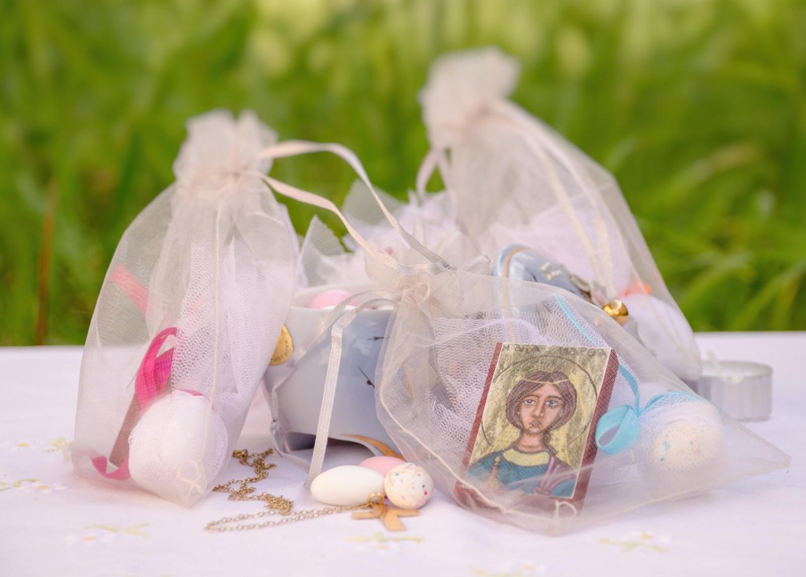 Подарки крестным родителям на крестины: подборка для крестной и крестного | праздник для всех