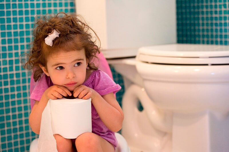 Ребенок не может сходить по-большому: причины и что делать