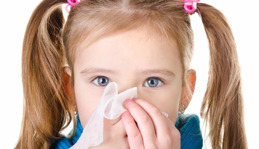 Заложен нос у ребенка, а соплей нет, что делать