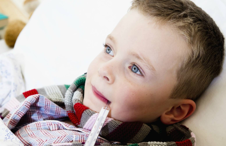 Ребенок покашливает без признаков простуды - причины и методы лечения