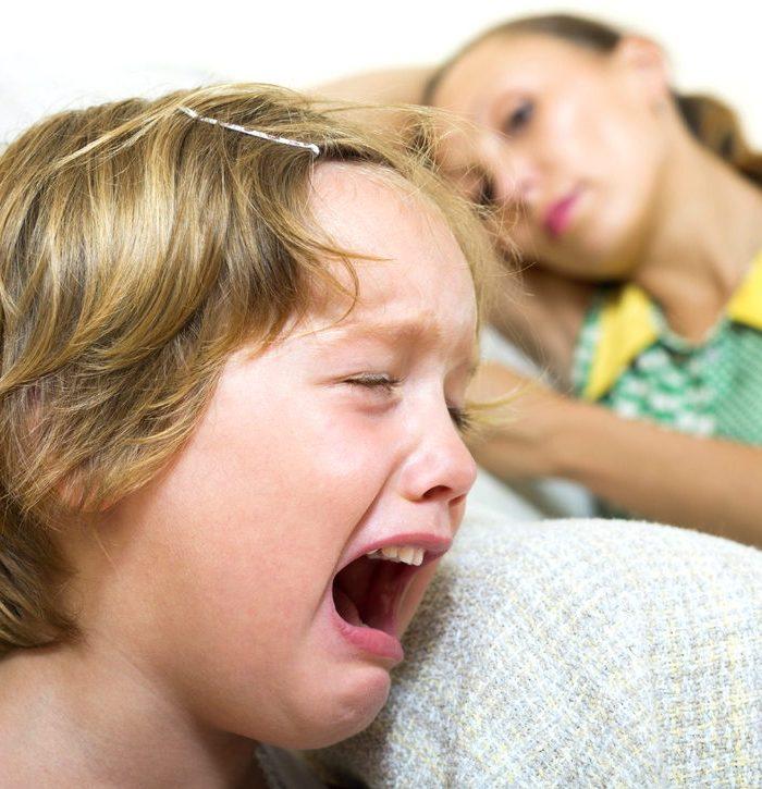 Детские капризы и истерики в 2 года - как справиться
