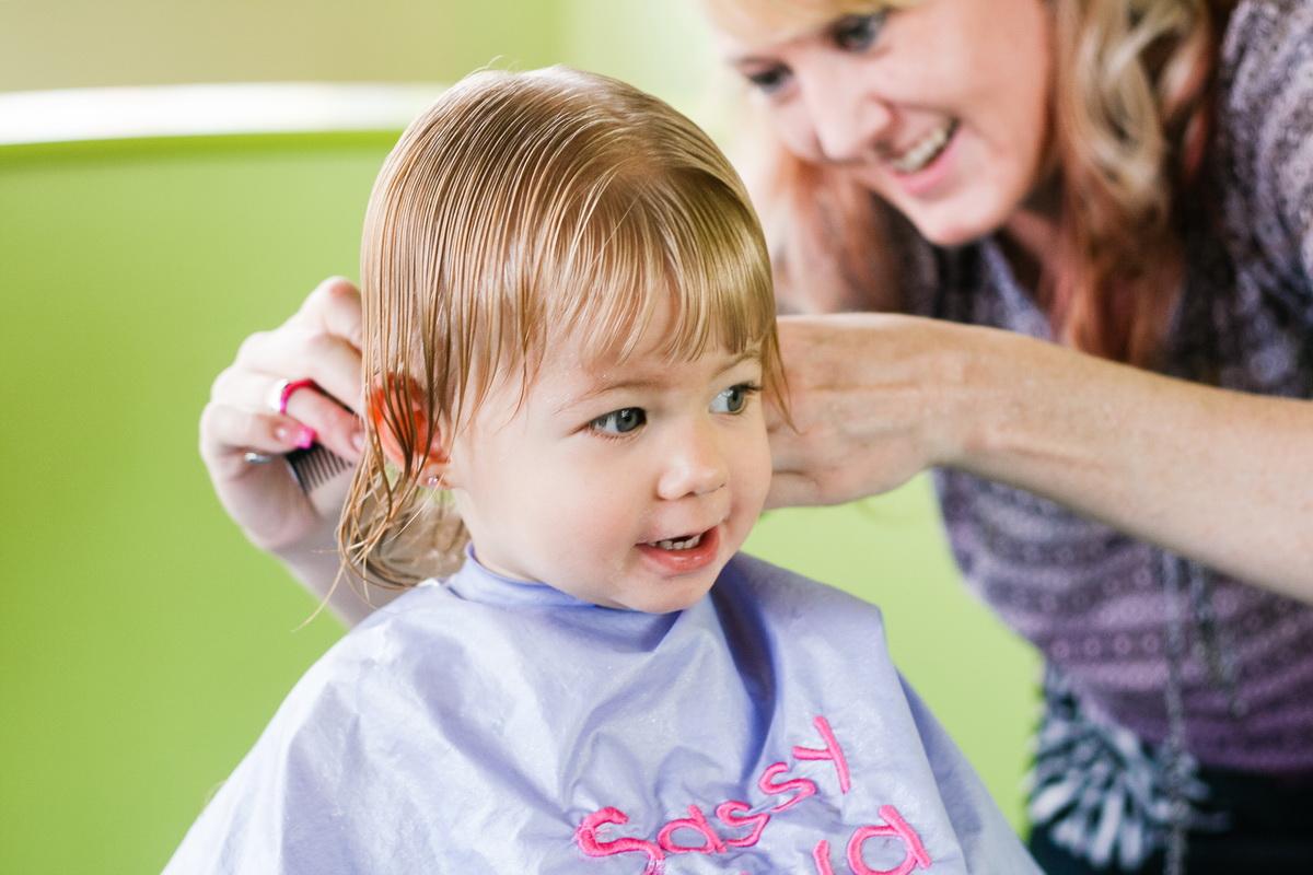 Как обрезать ногти ребенку без истерики?