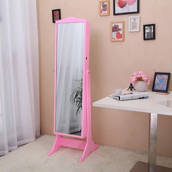 Почему нельзя показывать маленьким детям их отражение в зеркале