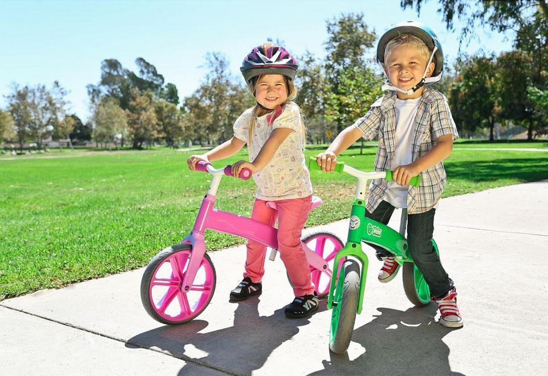 Как выбрать первый беговел для самых маленьких детей от 1,5 до 2 лет (обзор популярных марок)
