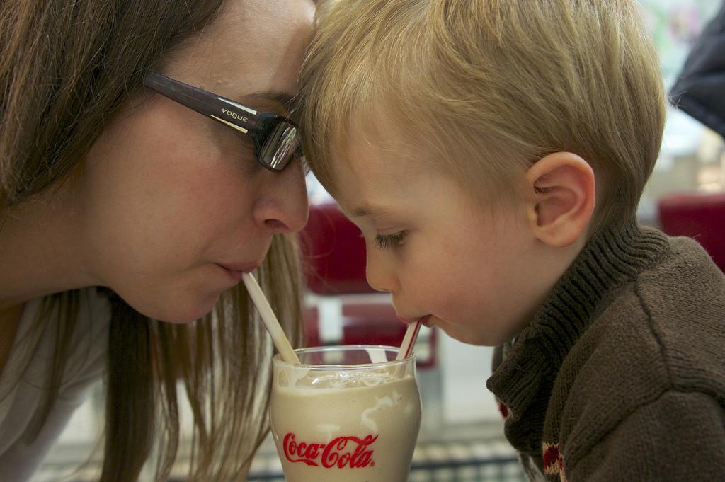 Вредна ли детям Кока-кола? Отвечает доктор Комаровский