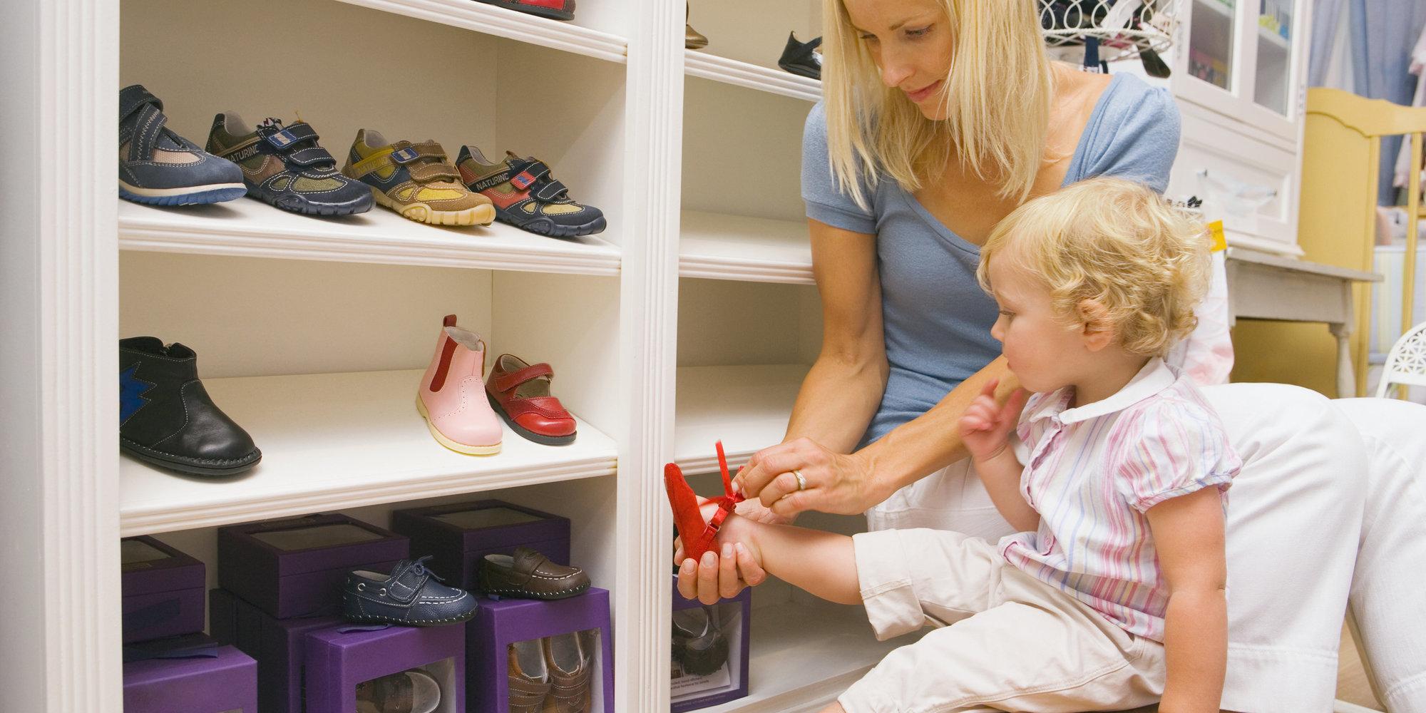 Как научить ребенка одеваться без посторонней помощи
