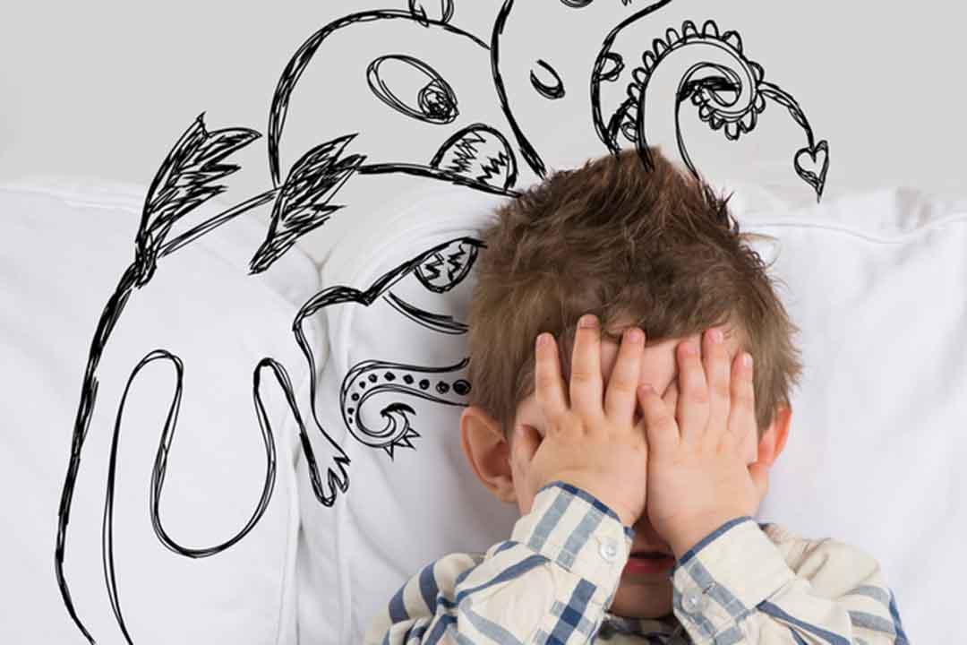 Почему ребенок боится громких звуков