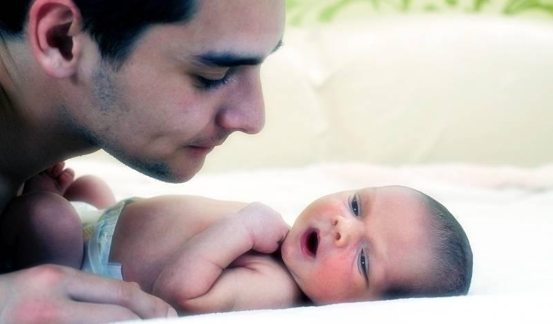 По каким причинам врачи могут на время разлучить маму и новорожденного малыша