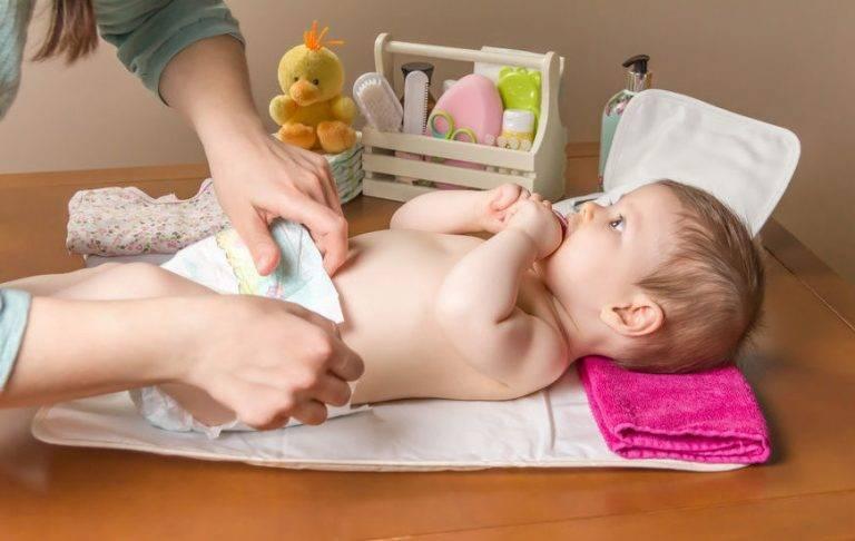 Уход за новорожденным в первый месяц жизни: советы комаровского по уходу за мальчиком и девочкой