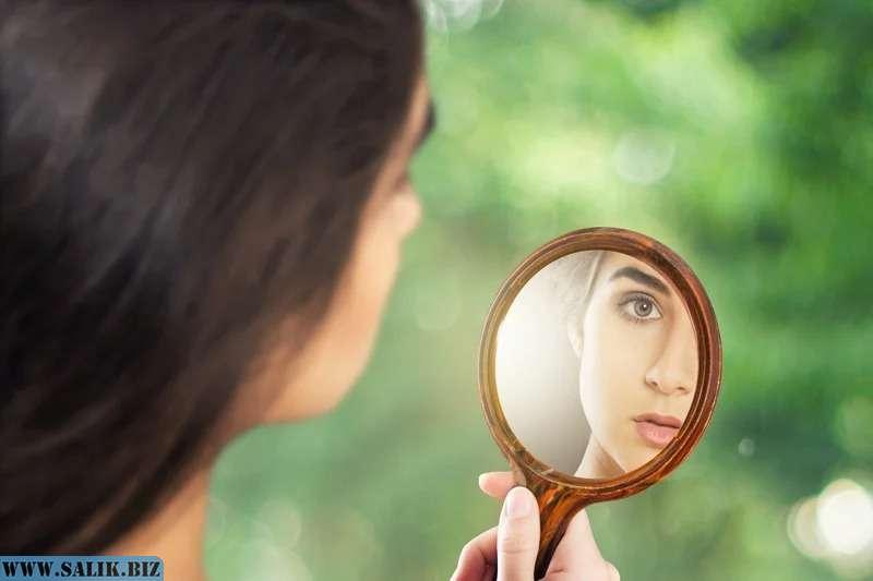 Почему нельзя показывать ребенка в зеркало: приметы, мнение специалистов