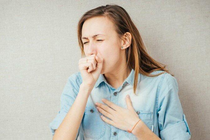 Ребенок кашляет до рвоты: причины и первая помощь