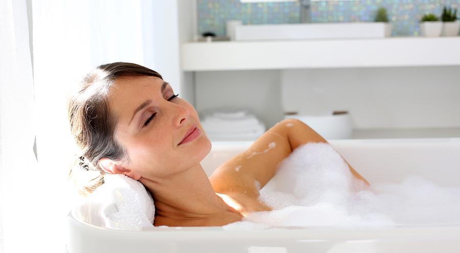 Можно ли принимать ванну при кормлении грудью