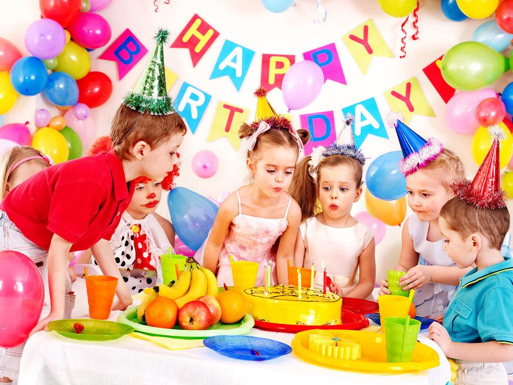 Как отметить день рождения девочки 10 лет? сценарий с конкурсами для праздника дома с друзьями. идеи детского юбилея с прикольными играми
