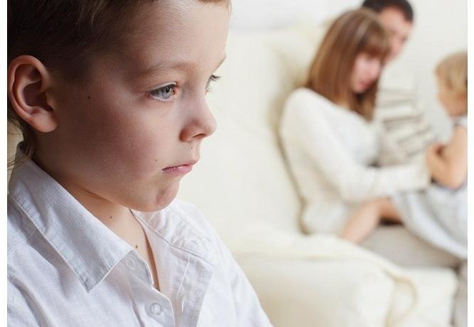 Детская ревность: ребенок ревнует к другому ребенку, маму к папе