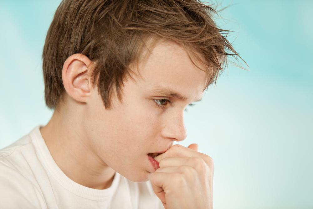 Вредные и плохие привычки у детей до года - и такие ли они вредные на самом деле