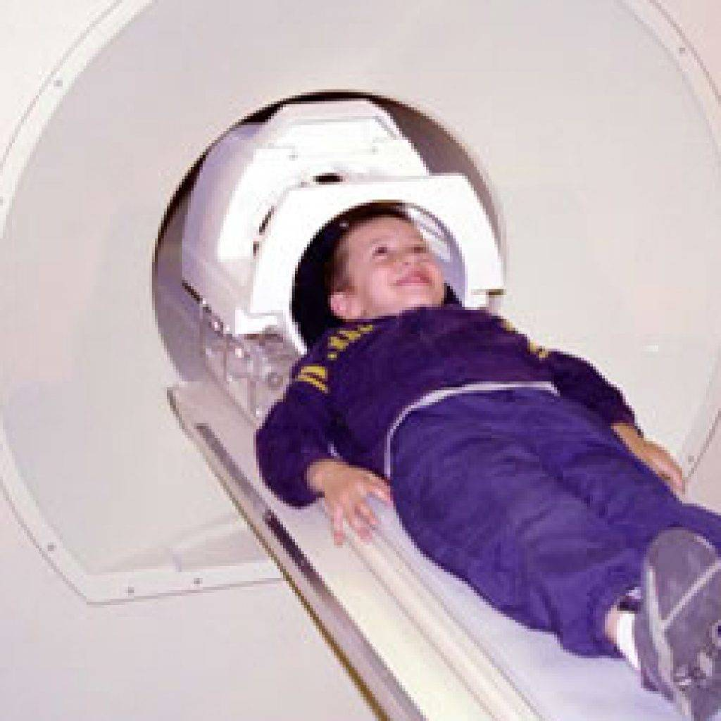 Когда назначают мрт детям, что важно знать о процедуре