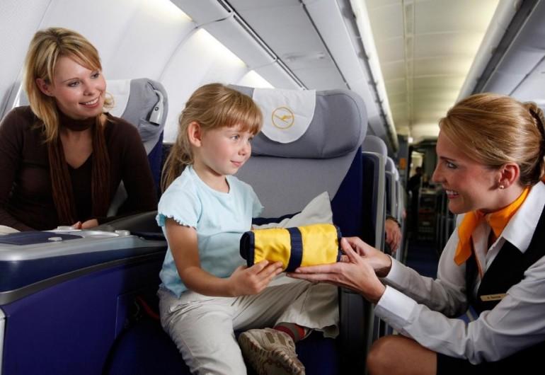 Путешествие ребенка на поезде: что нужно знать родителям