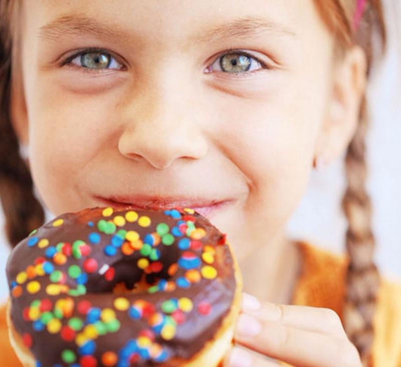 Когда давать сладкое ребенку? | уроки для мам