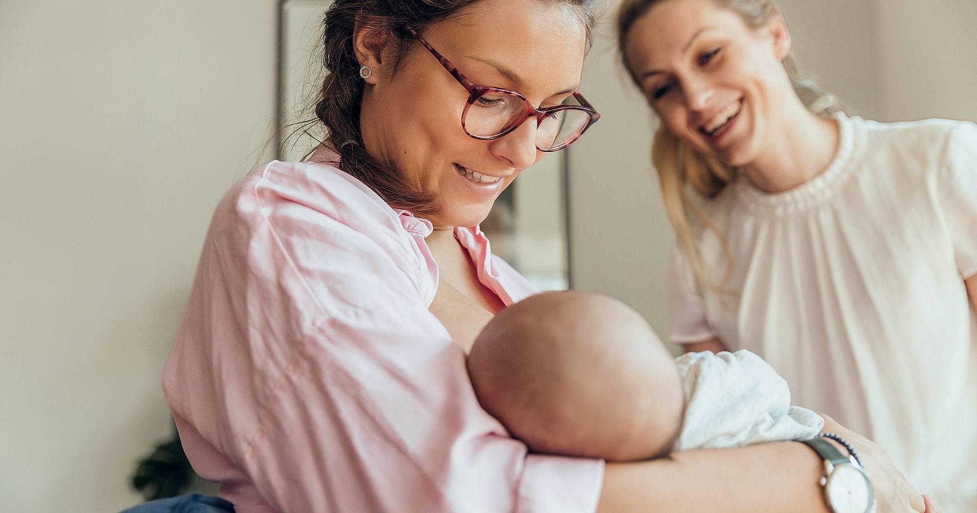 Можно ли кормящей маме детскую смесь