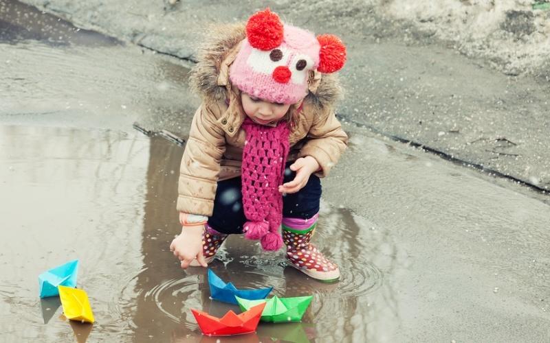 Во что поиграть с ребенком на прогулке