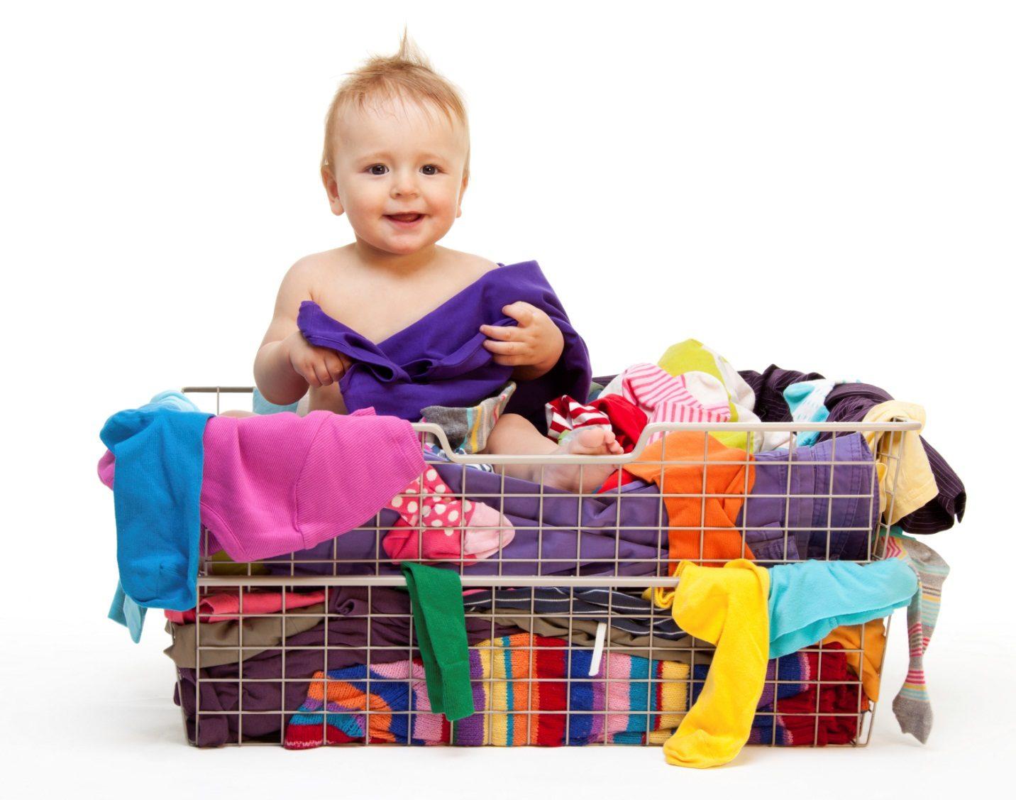 Ребенок вырос: что делать с ненужной детской одеждой?