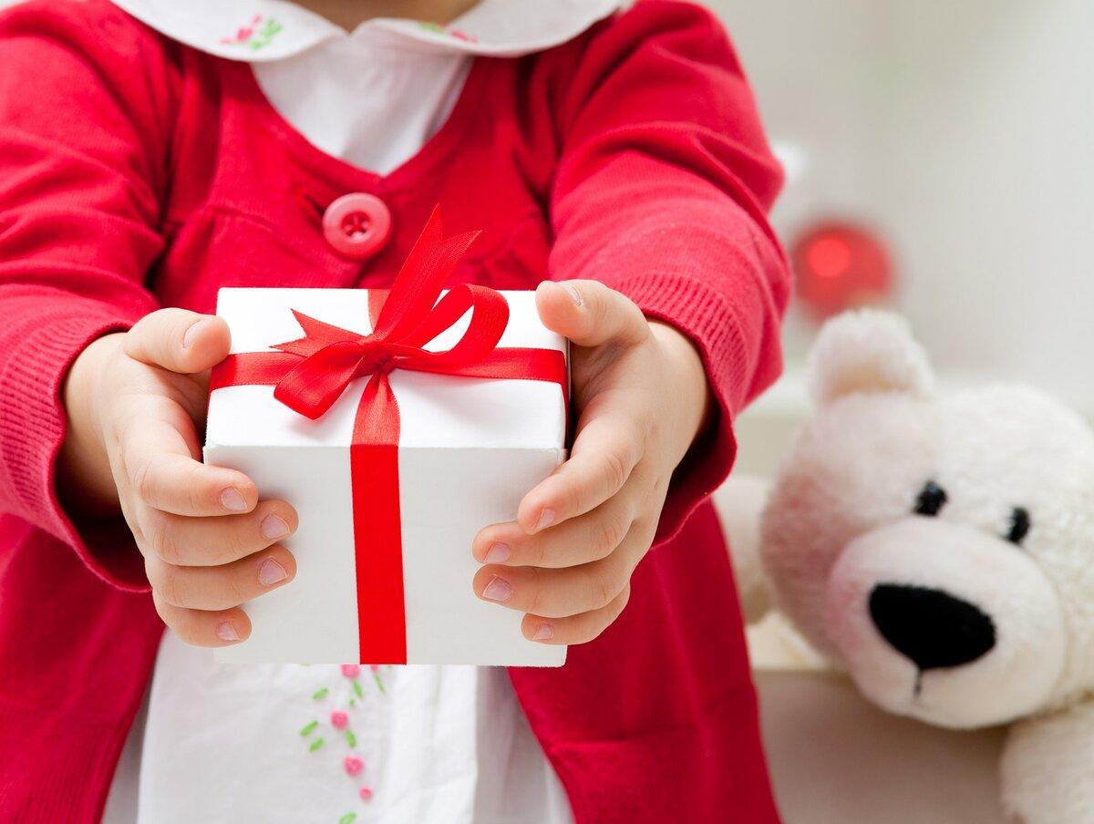 Подарки детям: 5 советов, о чем должна знать каждая мама! подарки на новый 2018 год
