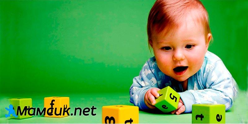 8 месяцев ребенку – развитие, питание, меню ребенка. что должен уметь ребенок в 8 месяцев?