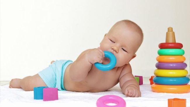 Как отучить ребенка от рук: полезные советы для мам | nestle baby
