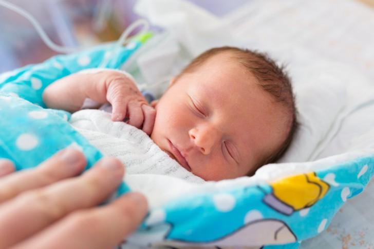 Холодный нос у младенца. причины, по которым у новорожденного холодный носик на улице или дома. стоит ли волноваться родителям