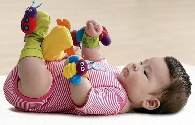 Разбираем игрушки по возрастам