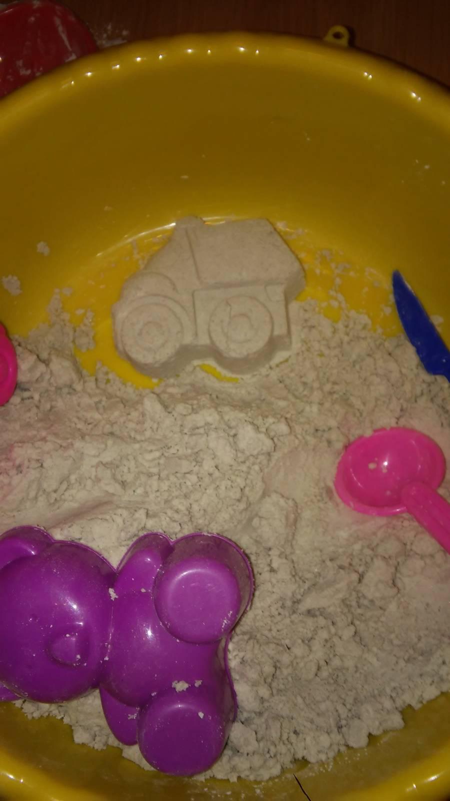 Что такое кинетический песок и как сделать его своими руками?