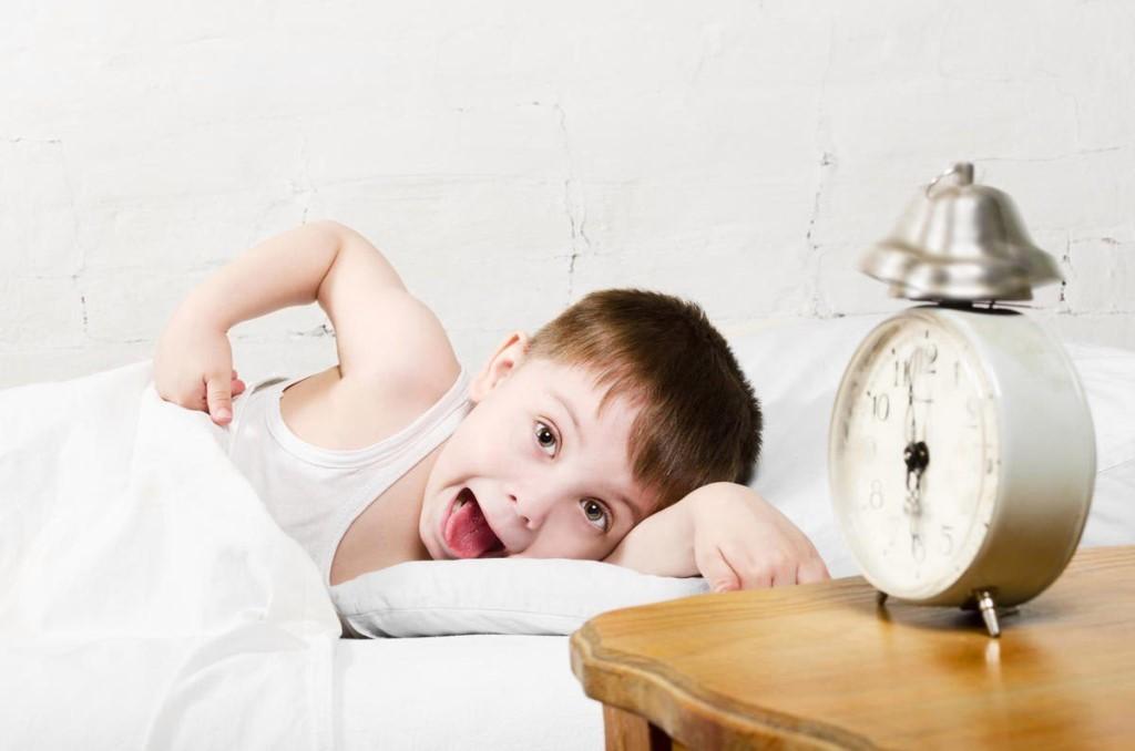 Доброе начало дня: утренние процедуры для детей 3–4 лет