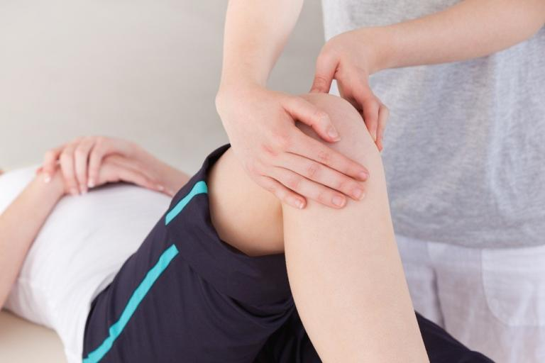 Ребенка болят ноги утром, ребенок утром жалуется на боль в ногах.