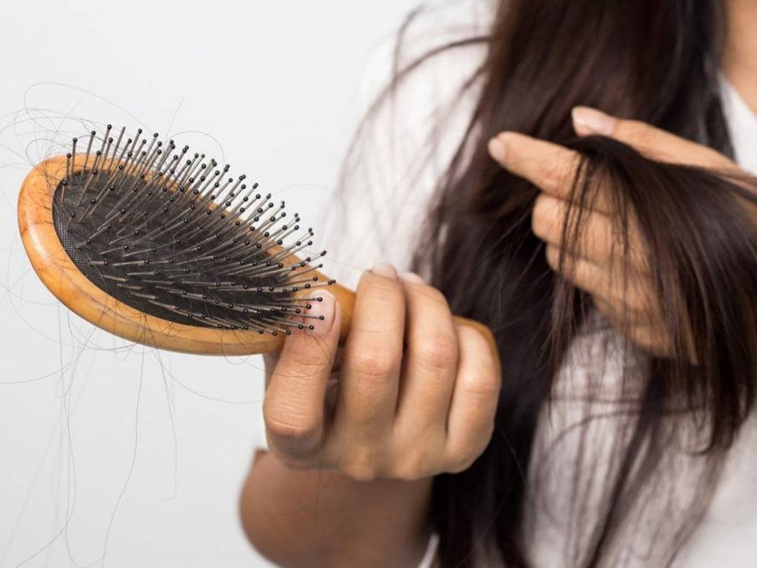 Почему после родов выпадают волосы и как остановить этот процесс