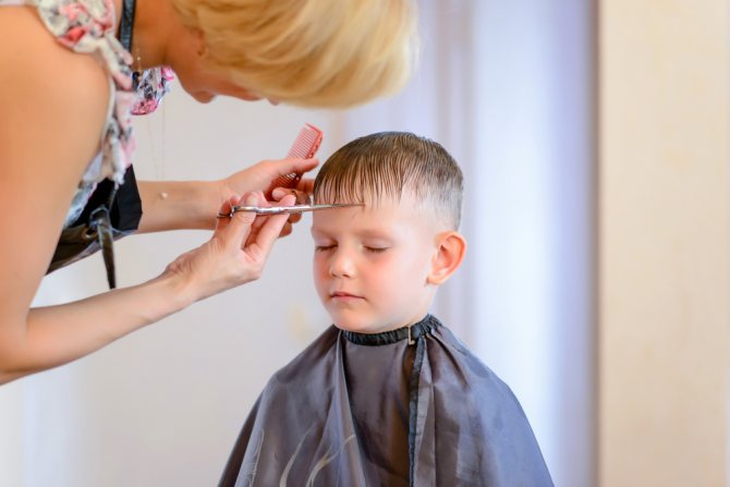 Как правильно и быстро уговорить ребенка подстричься