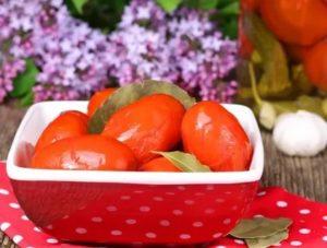 Можно ли есть помидоры маме при грудном вскармливании, с какого месяца разрешено