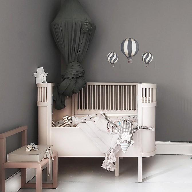 Чем покрасить детскую деревянную кроватку для новорожденных — строительный портал №1