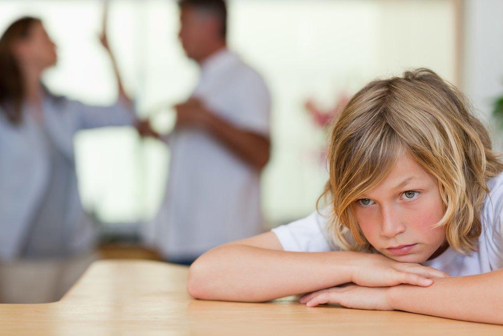 5 вещей, которые мама не должна делать на глазах у детей
